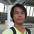 高鐵台南站月台上自拍 2
