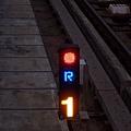轉轍器:逆位(R)未開通(紅)