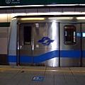 列車1035 進入古亭站中