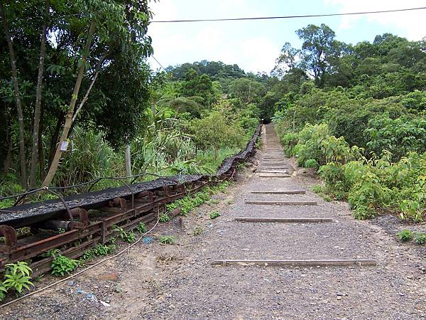 煤礦博物館往台車場的路上(上行)