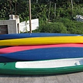 彩色獨木舟
