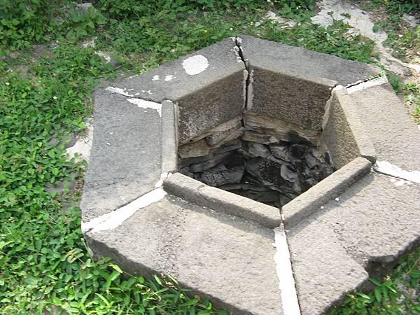 許家古厝旁的八卦井