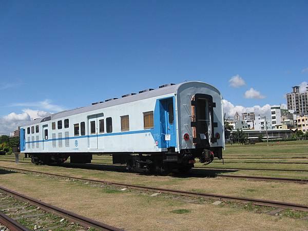 45PBK32952 莒光號電源行李車