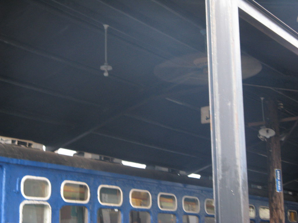 「新台灣的原味」餐廳外的舊車廂和月台