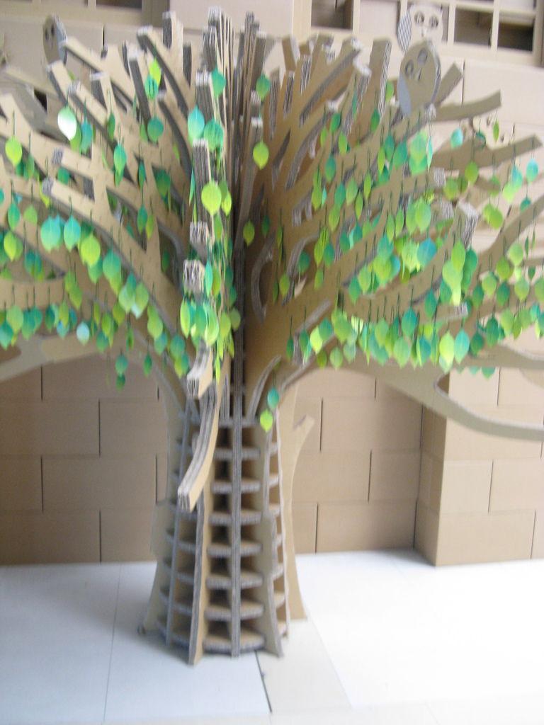 紙做成的樹