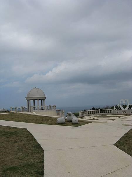 三貂角燈塔旁造景