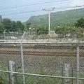 高鐵軌道旁的台鐵軌道