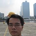 和黃色小鴨合照