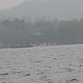 坐船遊西湖