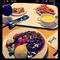 我的肚子裡住了一隻大怪物。 #kaohsiung #ikea #food #unwelcomedcoupon
