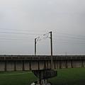 位於下淡水溪舊鐵橋旁的新橋