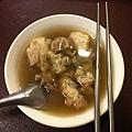 郭家肉粽的豬腳湯