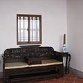 廂房中古色古香的家具