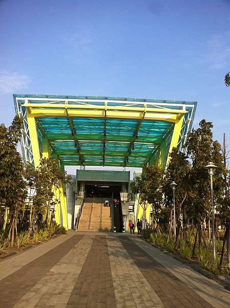 捷運南岡山站