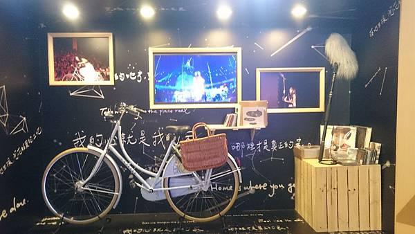 陳綺貞《時間的歌》舞台裝置,是 FREE'S 舞台團隊設計的。