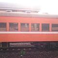 南州站內的橘色車廂