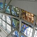 捷運世運站天花板的色彩裝飾