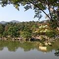 金閣寺和水中倒影