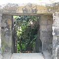 砲台看起來是石砌