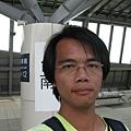 高鐵台南站月台上自拍 4