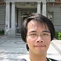 台灣文學館前自拍 1