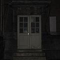 不會亮的路燈和不會開的文院門2