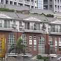 台北市難得一見的矮房子…
