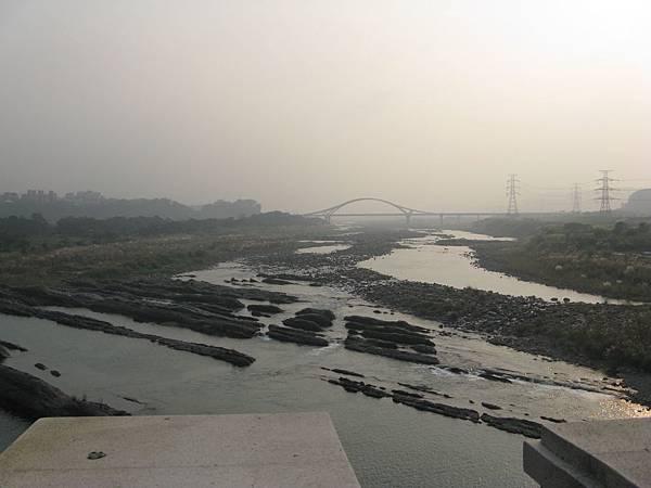 從大溪橋遠眺…