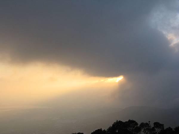 撥雲見日 2