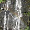 烏來瀑布出現彩虹 2