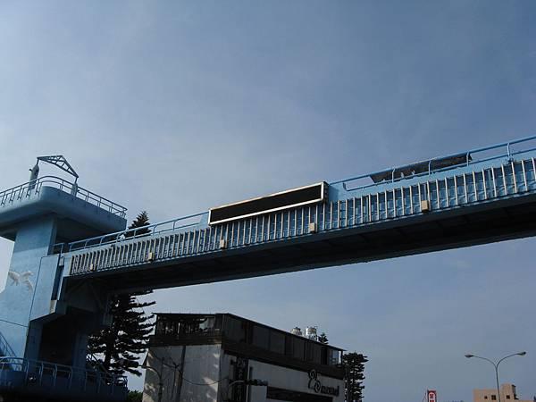 佛朗明哥天橋/右側