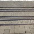 門口也還保留鐵軌