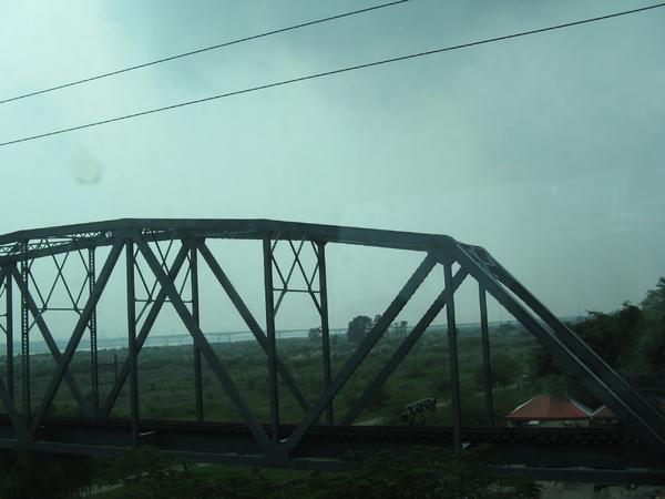 斷掉的鐵橋 1