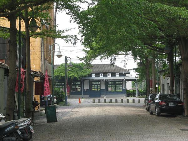從巷口看竹田舊站