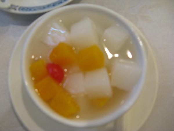 飲茶16 - 甜點: 杏仁豆腐