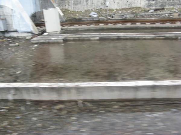 軌道積水嚴重