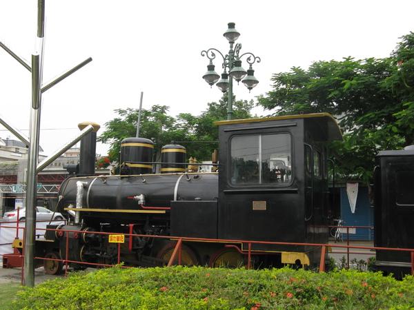 集集車站外的蒸氣旅遊列車2