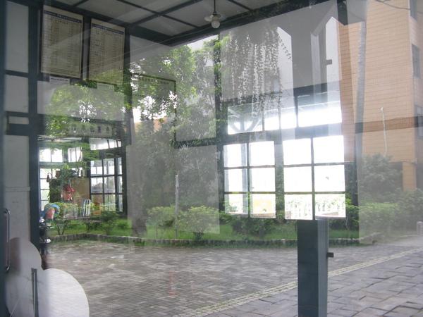 從窗戶看竹田舊站 1
