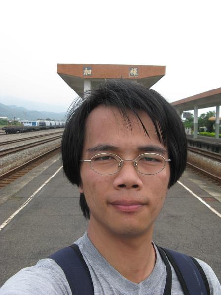 加祿站月台自拍 6