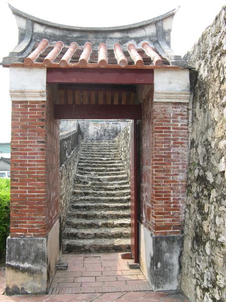 舊城門有開放供遊客爬上去