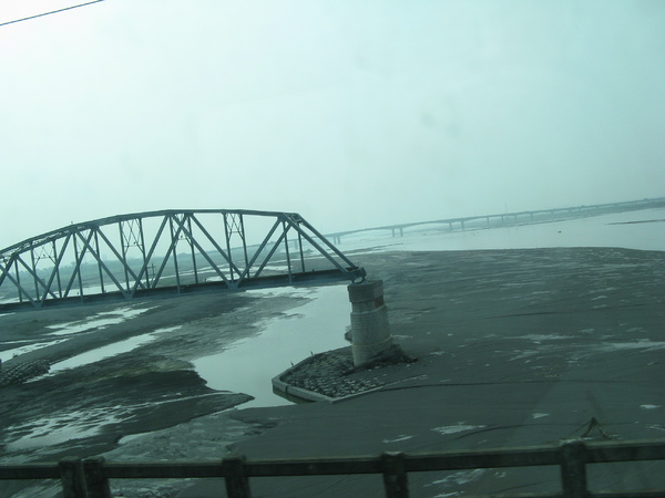斷掉的鐵橋 3