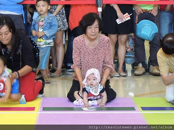 20120916-新光三越寶寶爬行比賽18