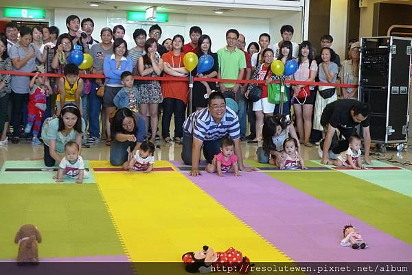20120916-新光三越寶寶爬行比賽62