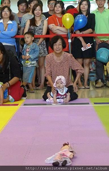 20120916-新光三越寶寶爬行比賽73