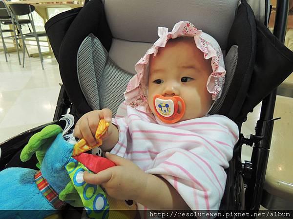 20120916-新光三越寶寶爬行比賽42