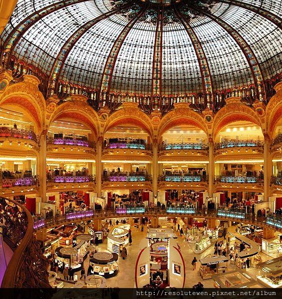 565px-Paris_Lafayette_inside.jpg