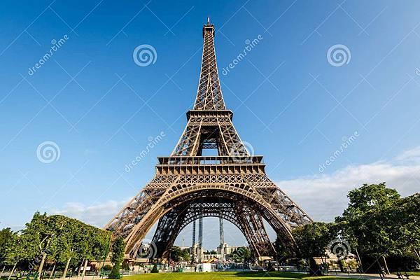 艾菲尔铁塔和战神广场在-32248276.jpg