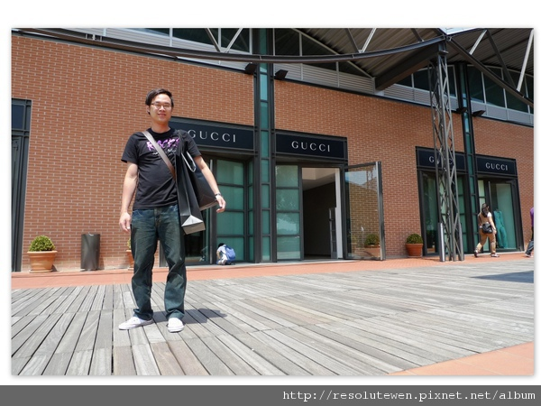 Day 6 Gucci outlet7.jpg