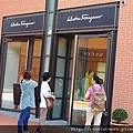 DAY 6 Gucci outlet50.JPG