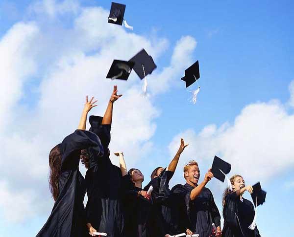 8%畢業生畢業前就找到工作!